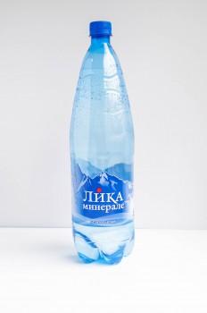 Цена 27руб Вода 1,5  л,«Лика Минерале»- минеральная природная питьевая столовая вода(газ/не газ)